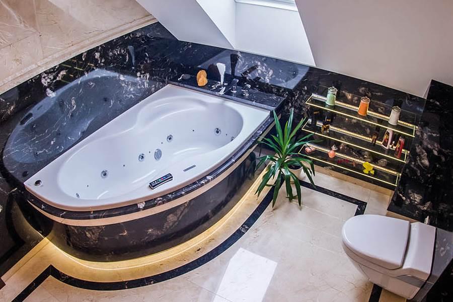 marmur w wykańczaniu łazienki