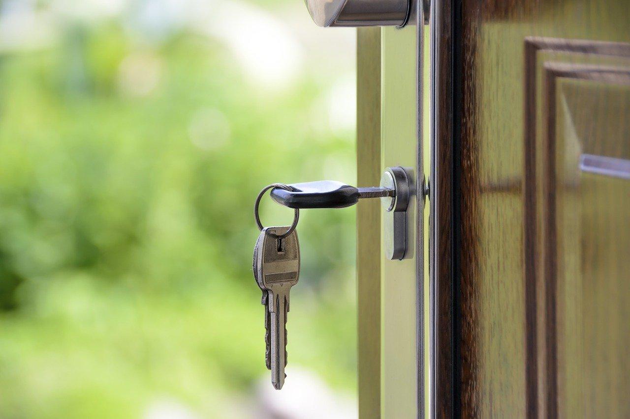 Wykończenie domu do stanu surowego zamkniętego.